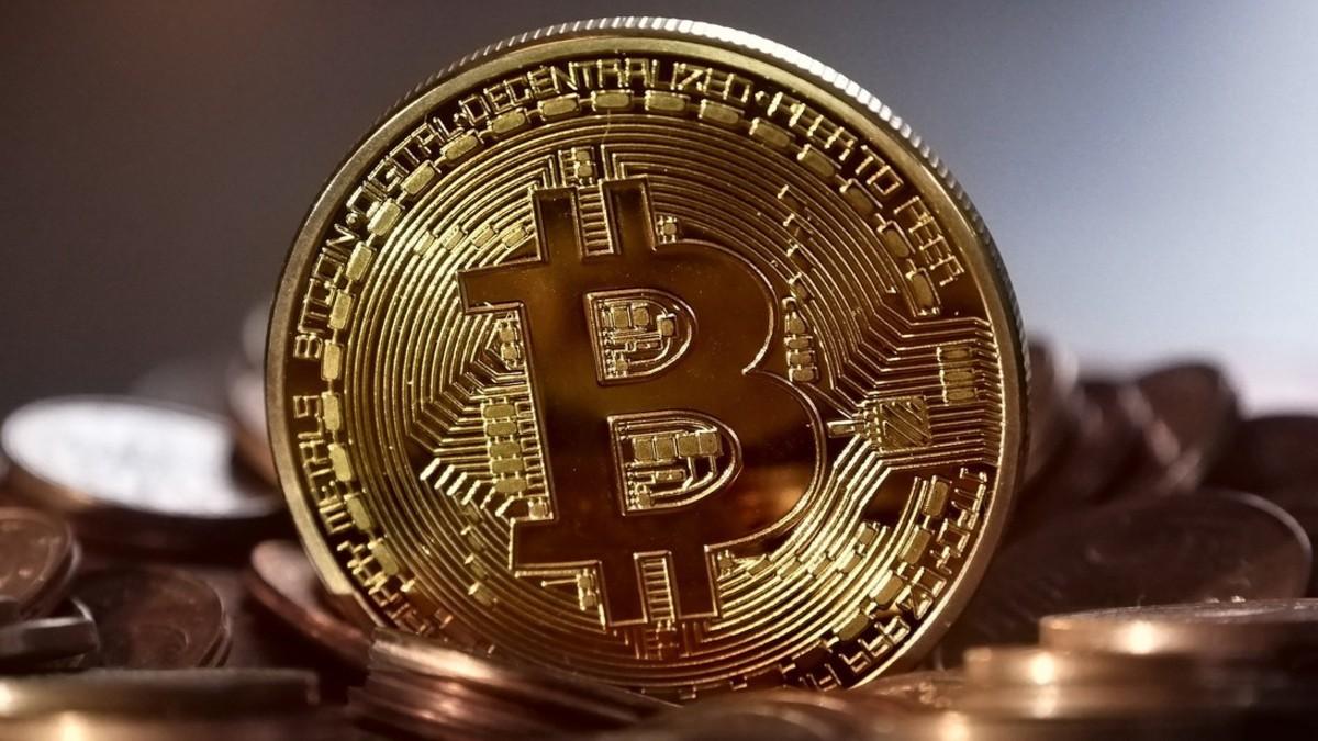 Bitcoin rompe récord histórico y supera los 23.000 dólares