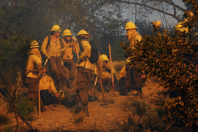 Nueve incendios mantienen con Alerta Roja a cuatro comunas