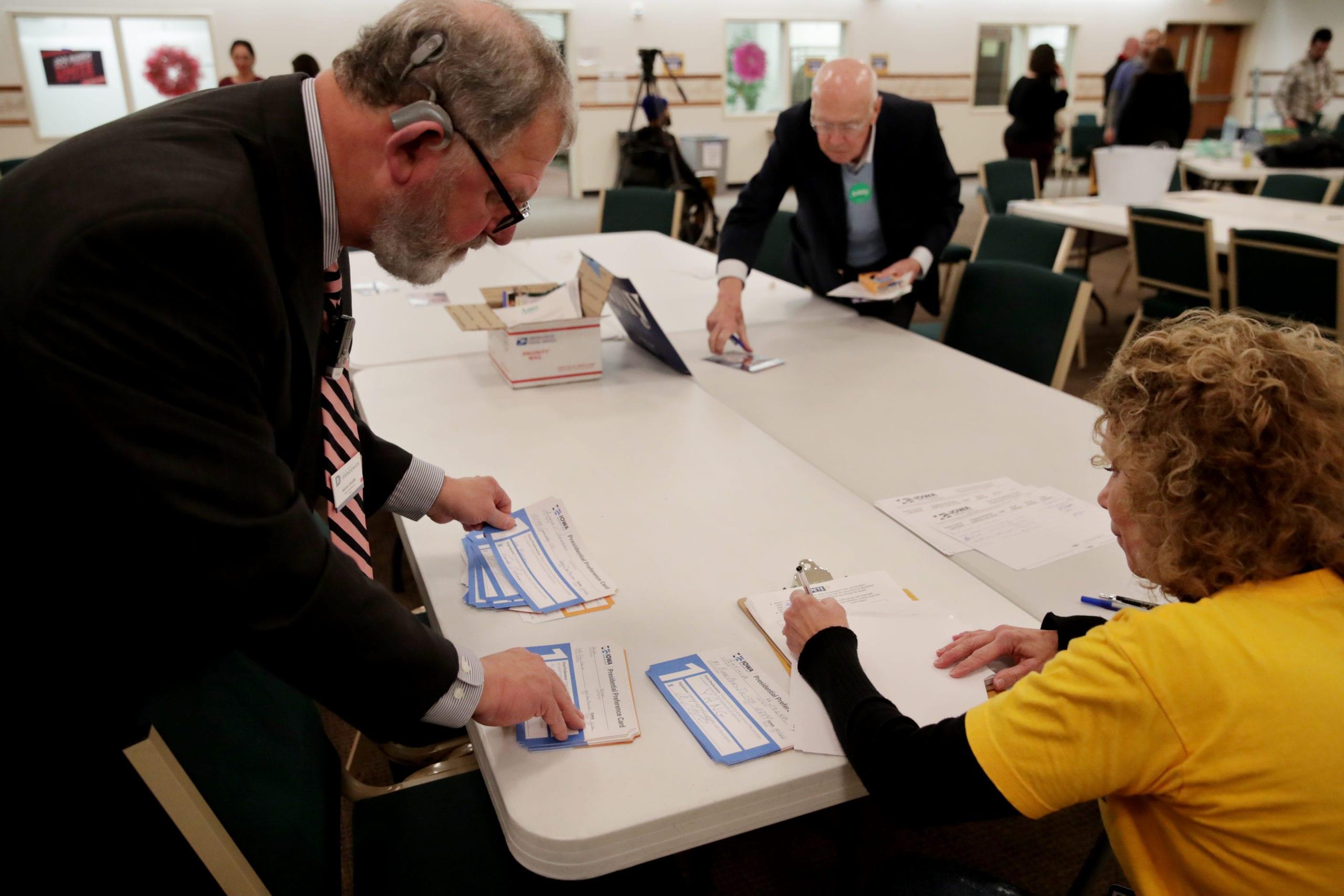 Piden recuento de votos ante resultados cerrados de primarias demócratas en Iowa