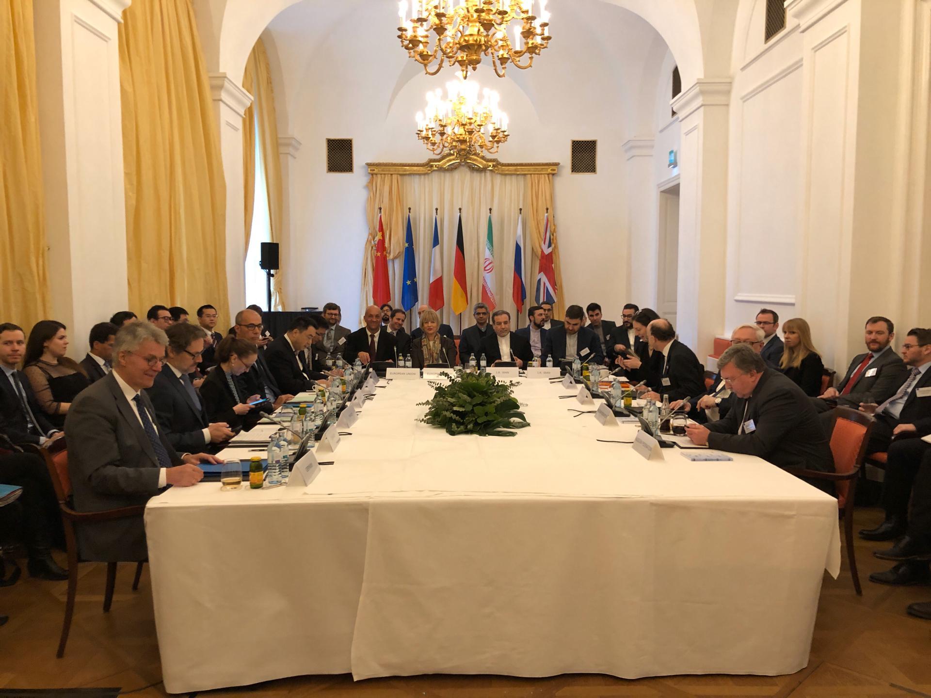 Irán cumplirá sus compromisos nucleares si la UE compensa las sanciones de EE. UU.