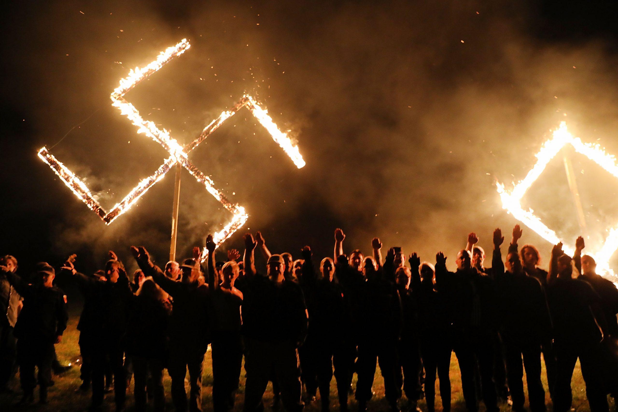 Quando acordou, Hitler ainda estava lá: massacres raciais revivem o terror na Alemanha