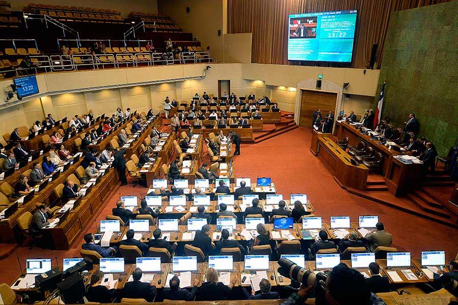 Diputados rechazan informe de comisión mixta sobre indulto a reos por contagio de coronavirus