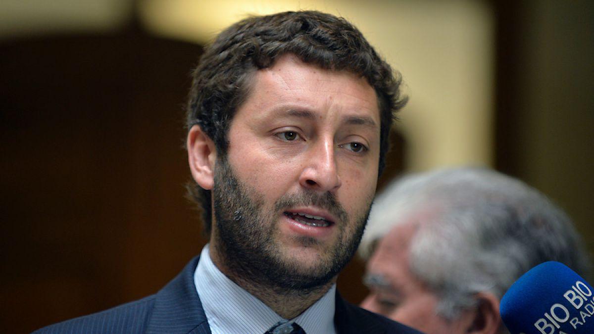 Denuncian boicot de UDI y Evópoli a proceso constituyente: se abstuvieron en votación de recalendarización de plebiscito