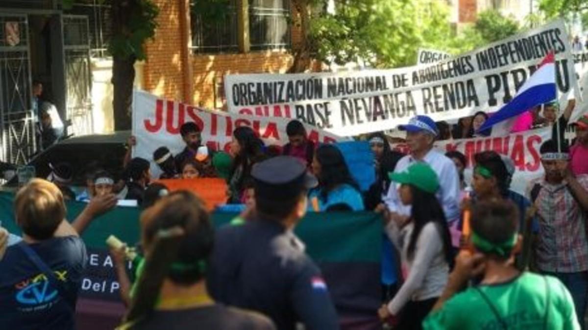 Campesinos de Paraguay vuelven a las calles tras retraso de Diputados para debatir ayuda financiera