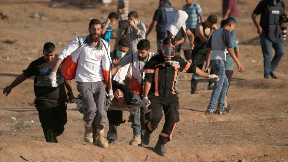 Al menos 305 palestinos han sido atacados por francotiradores israelíes durante las marchas del retorno