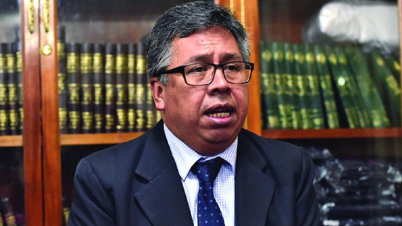 Médicos exigen a Gobierno de facto de Bolivia recursos para el sector salud
