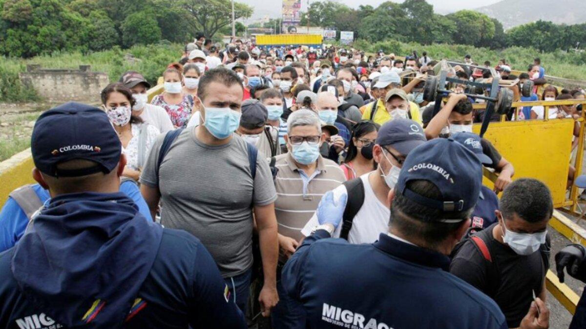 Duque cierra la frontera con Venezuela y aumenta el riesgo de propagar el COVID-19