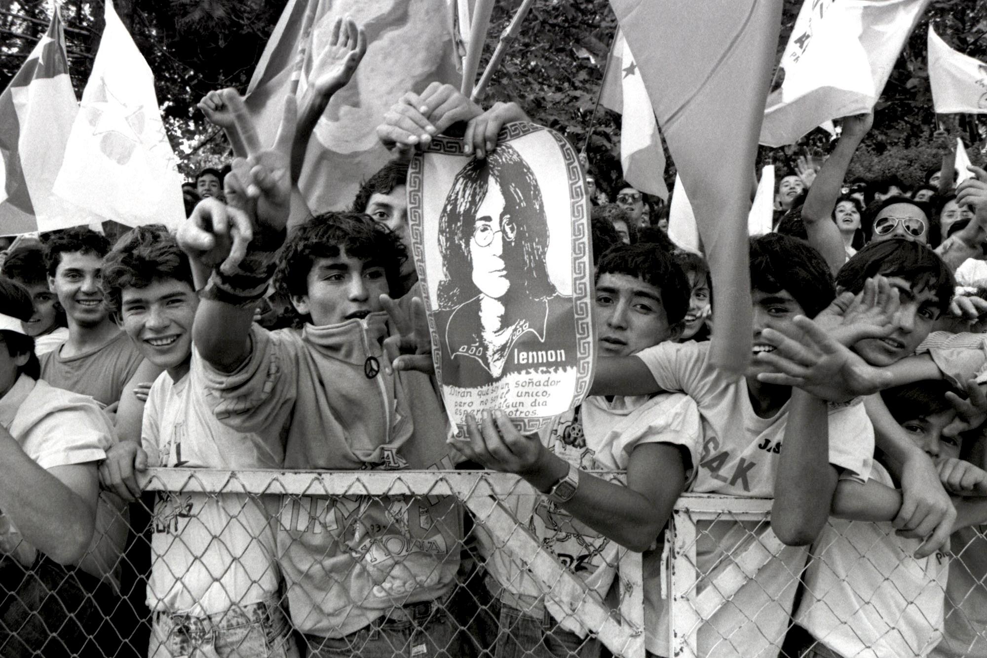 Enrique Cerda Taverne exhibe '1989-1990' en el Museo de la Memoria