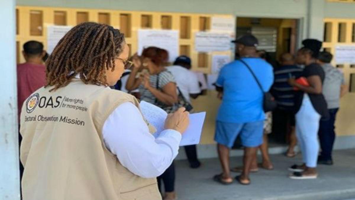 Suspenden nuevamente recuento de votos en Guyana