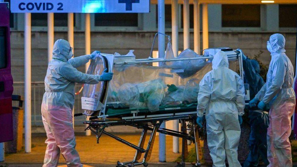 Médicos chinos revelan por qué aumentan las muertes en Italia por coronavirus