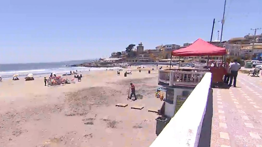 Alcaldes cierran comunas del litoral central para impedir llegada de turistas