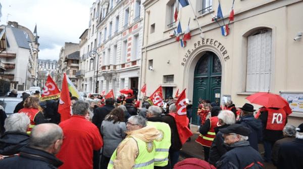 Franceses volvieron a las calles mientras Macron se mantiene sordo ante sus exigencias