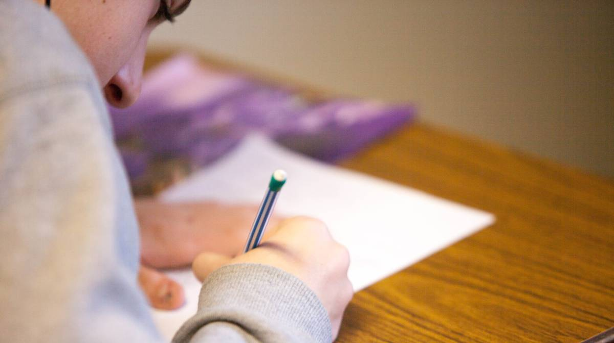 Cartas contra la soledad: Un programa que ayuda a los adultos mayores a sobrellevar el confinamiento