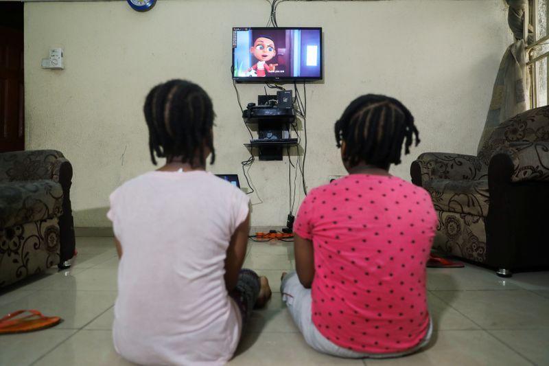 Cineasta nigeriano creó animación que explica a los niños porqué deben quedarse en casa