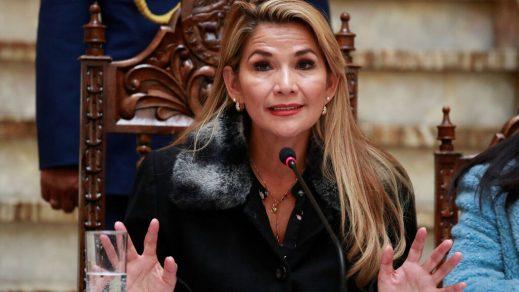 Jeanine Áñez dice que no saldrá de Bolivia para defenderse en juicio por genocidio