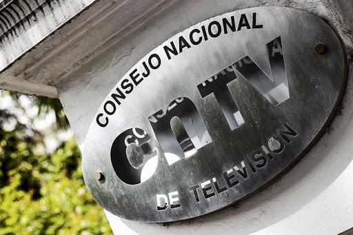 Piden a Piñera y al CNTV asegurar franjas educativas en los canales de TV abierta durante cuarentena por Covid-19