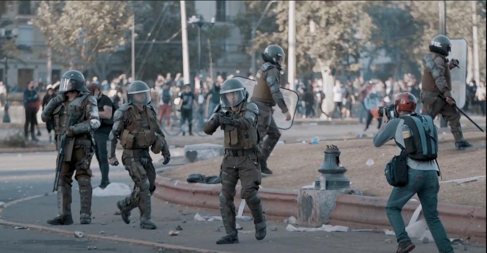"""Documental """"Chile in revolte"""" o porqué no somos los mismos tras el estallido de octubre"""