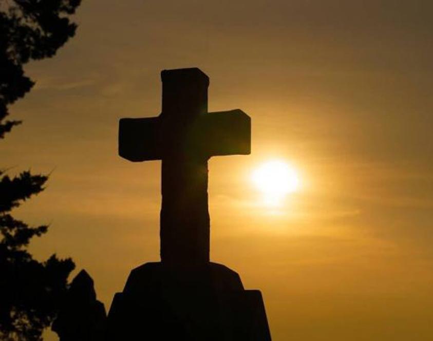 Denuncian que grupo religioso prepara retiro en Las Condes en plena pandemia: Promueven la «cura» de la homosexualidad