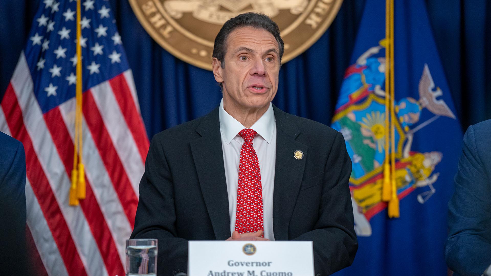 """""""No tenemos un rey, tenemos un presidente"""": gobernador de Nueva York y Trump enfrentados por COVID-19"""