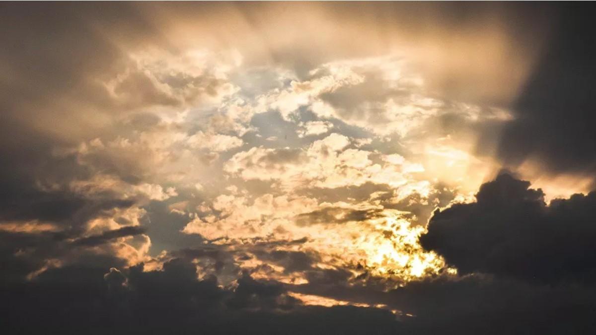 (Fotos) Reino Unido presencia columna solar