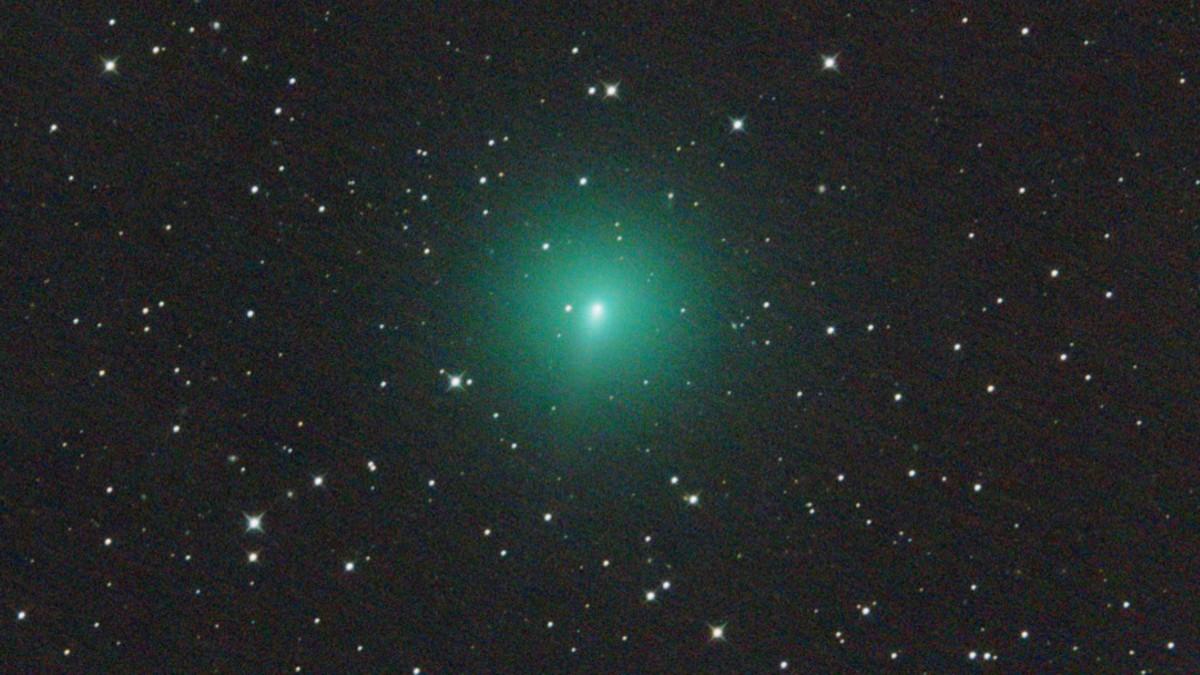 Cometa se acerca al Sol de nuestro sistema solar