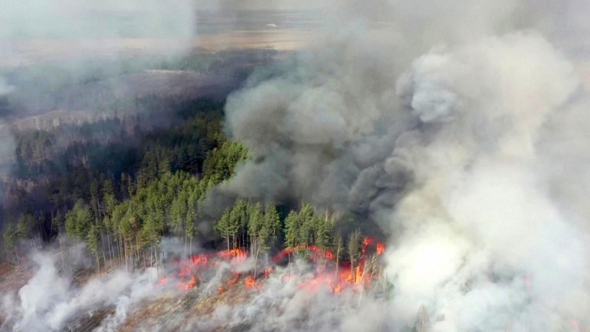 (Video) Incendio forestal en Chernóbil se aproxima a depósitos de residuos radiactivos