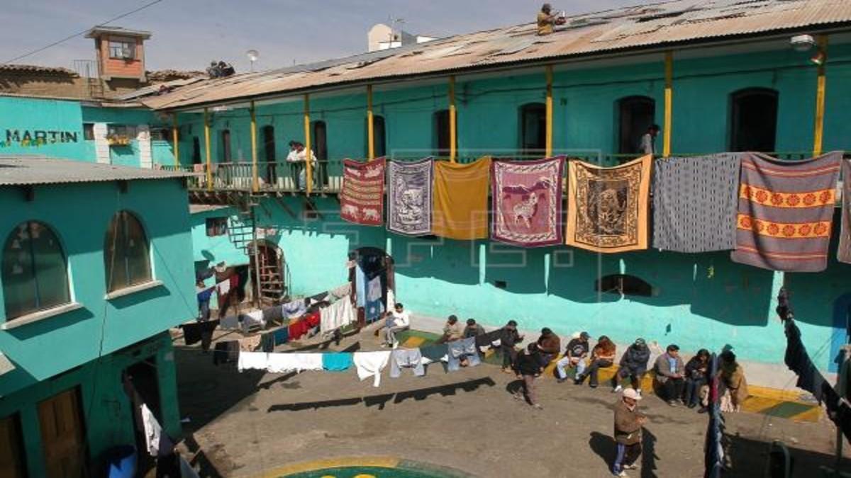 Defensoría del Pueblo de Bolivia plantea indulto para prevenir covid-19 en cárceles