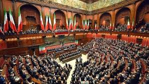 Parlamentario italiano infectado por COVID-19 causa alarma