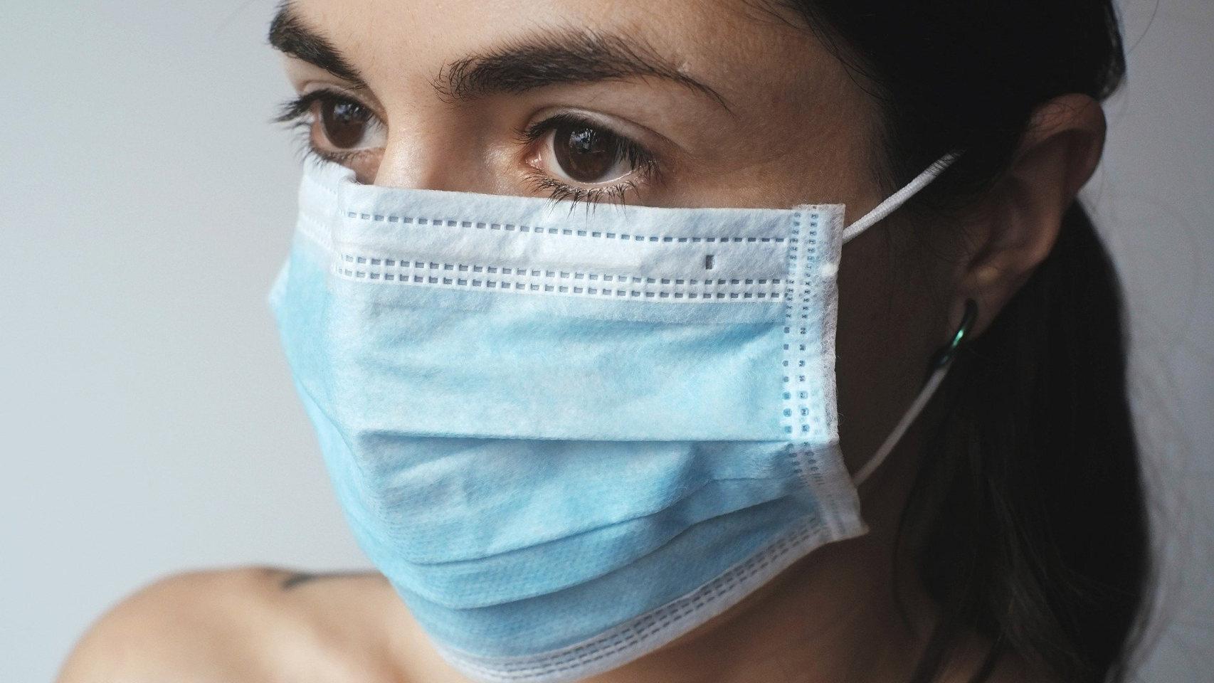 OMS está preocupada por amplio uso de mascarillas médicas porque son escasas