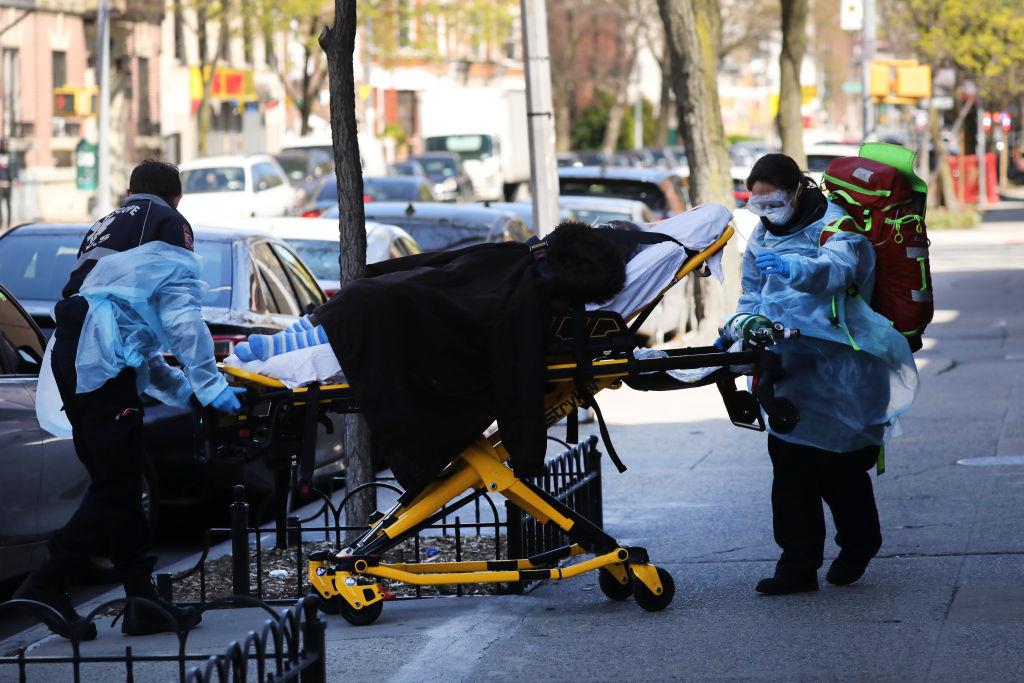 Estados Unidos se convierte en el país con más muertes por coronavirus
