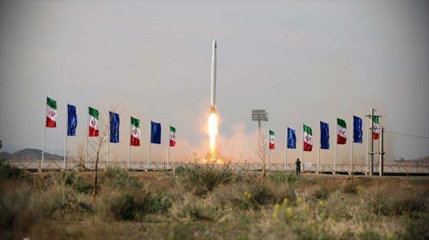 (Video) Lanzamiento de satélite militar reaviva tensiones entre EE. UU e Irán
