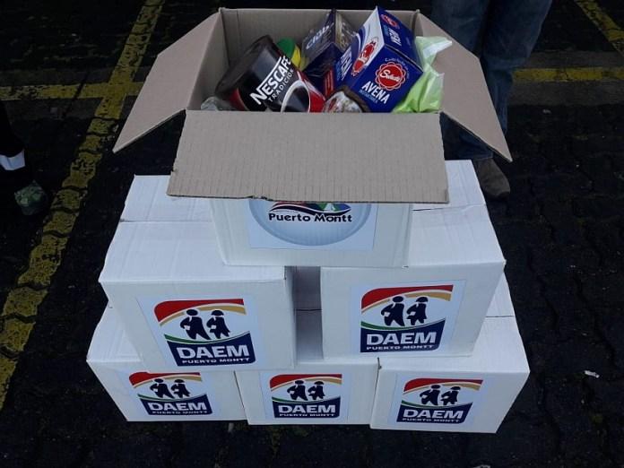 Puerto Montt: DAEM entrega cajas de alimentos para sus alumnos