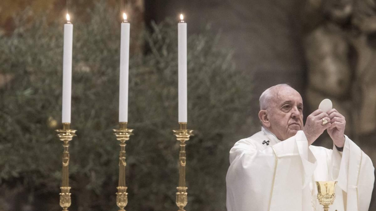 El Papa reanuda los sermones en presencia de creyentes