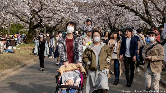 Japón levanta la emergencia por COVID-19