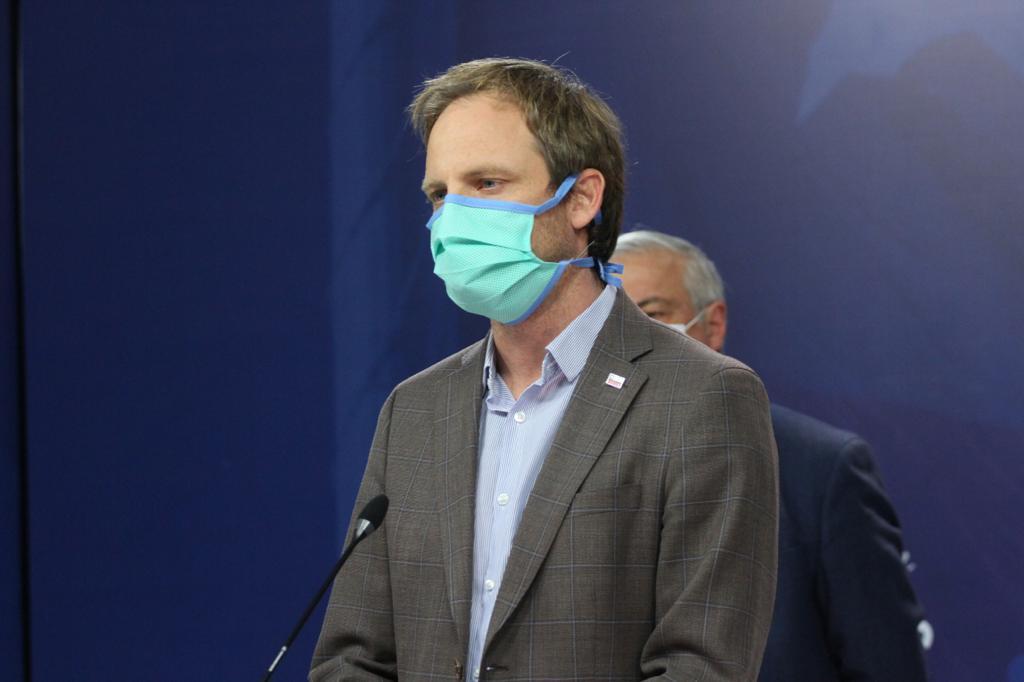 'No quiero aplausos, menos de pacos': Masiva 'pifiadera' ante idea del Gobierno de 'aplaudir' a funcionarios de la Salud