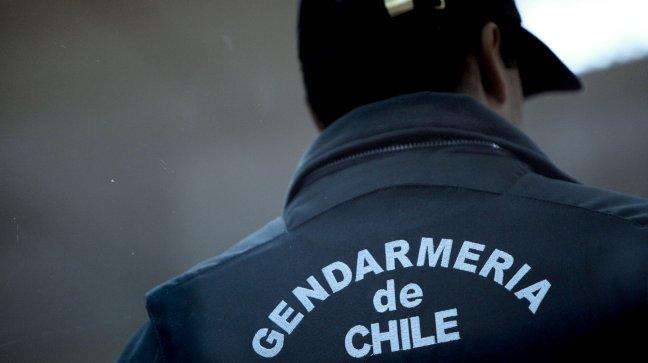 Puerto Montt: cuarto gendarme de penal local contrajo COVID-19 tras contacto con internos de Santiago