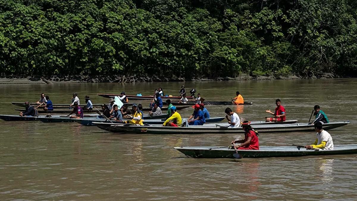Indígenas ecuatorianos inician vigilia en la Amazonía a la espera de justicia