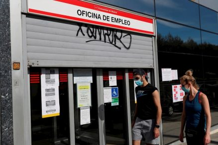España recupera empleos pero el paro sigue creciendo y supera los 3,8 millones