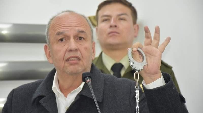 Legisladores bolivianos son amenazados con cárcel por el Gobierno de facto