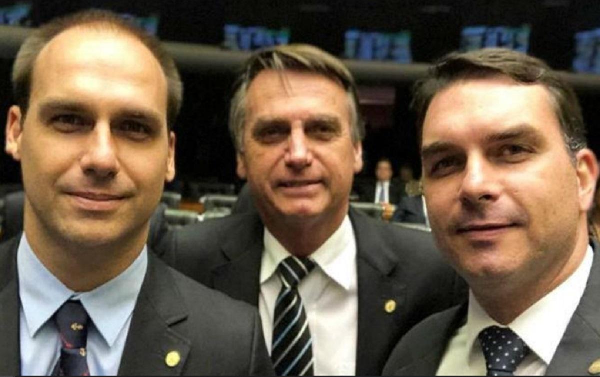 Aliados de Bolsonaro son investigados por la policía de Brasil por crear noticias falsas