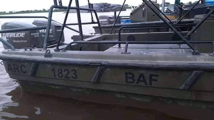 (+Fotos) Venezuela incautó tres lanchas de combate con emblemas de la Armada colombiana
