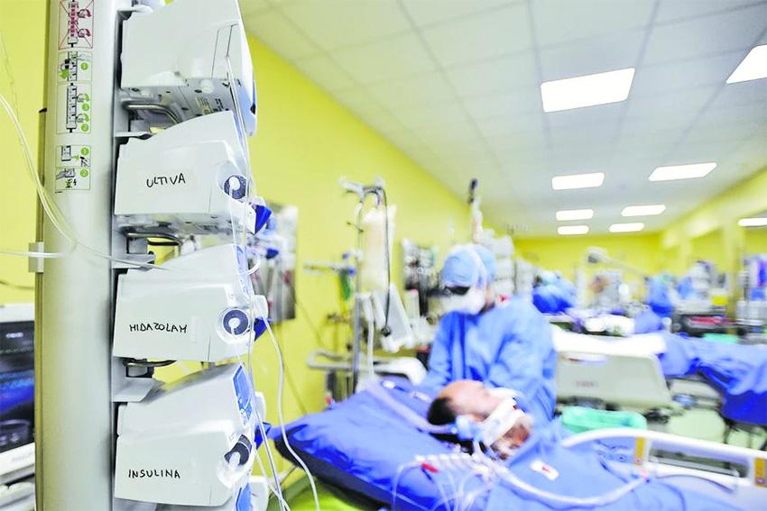 Doctor vocero de Fundación Equidad advierte: 'Una vez entubados los pacientes, los ventiladores no van a poder ser devueltos a regiones'