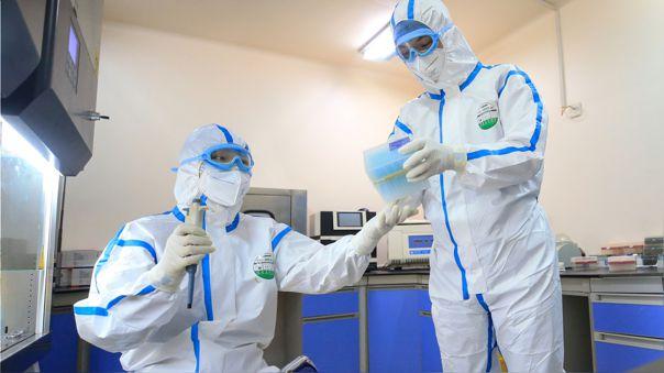 El OIEA suministra a 80 países materiales para pruebas de COVID-19