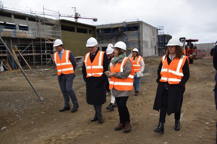 Puerto Montt: 2 trabajadores de la construcción del nuevo recinto del Sename dieron positivo a COVID-19