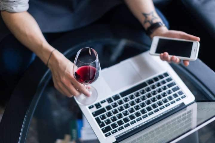 Argentinos triplicaron consumo de alcohol durante el confinamiento por la pandemia