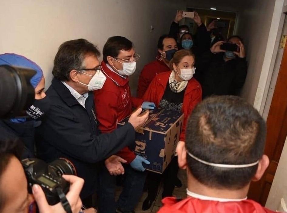 Presidente Piñera asegura estar acelerando entrega de canastas familiares