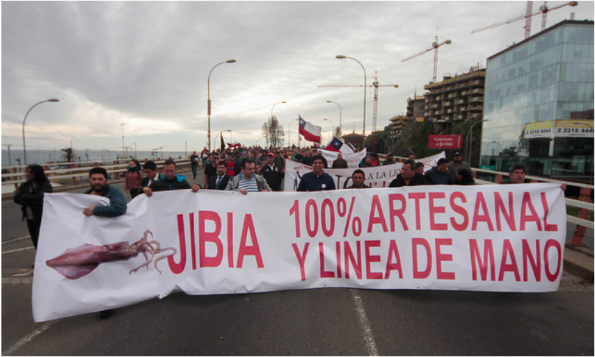 Pescadores artesanales realizan protestas y cortes de ruta por Ley de la Jibia
