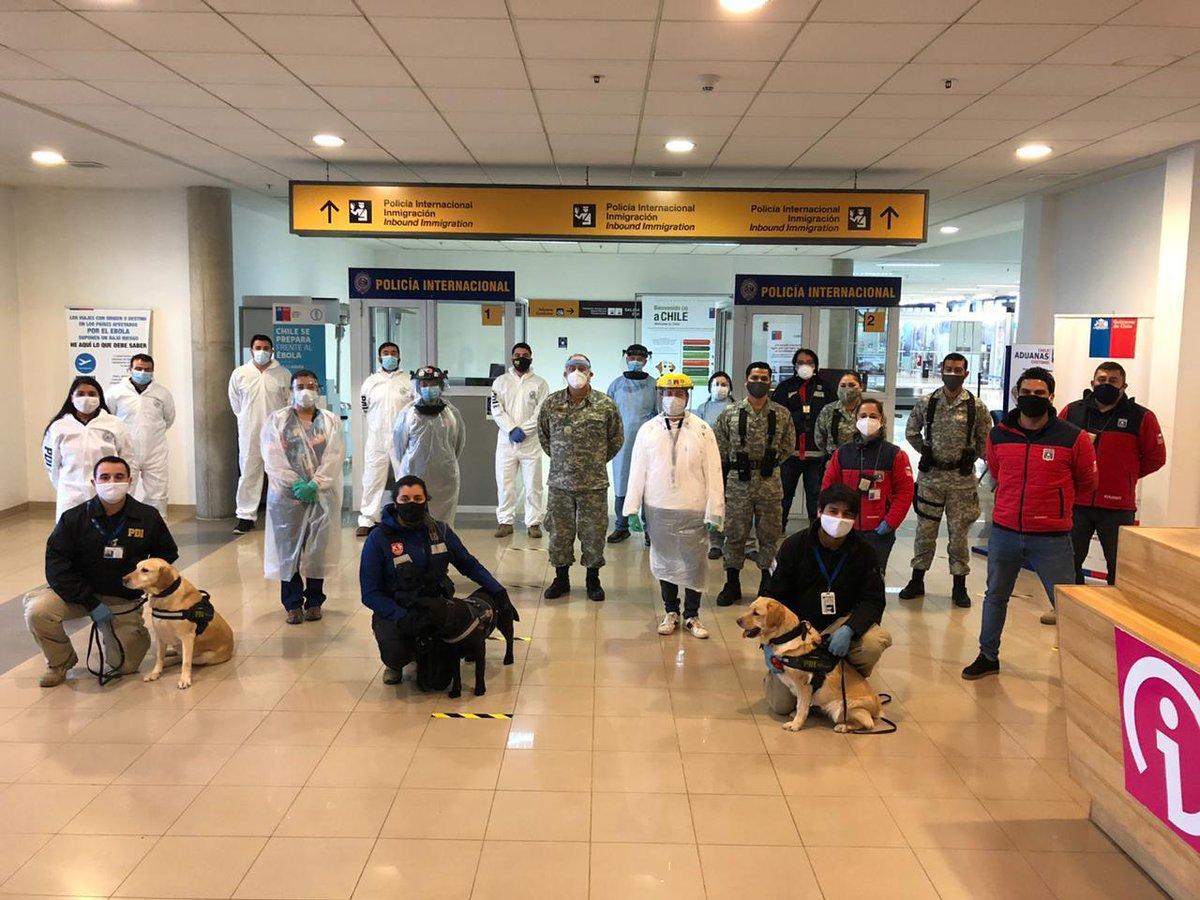 Punta Arenas: IV Brigada aérea apoya aduana sanitaria en el Aeropuerto