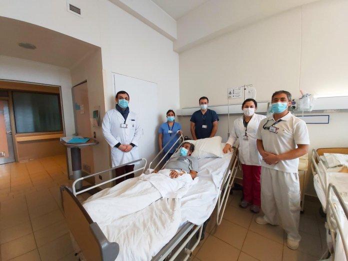 Osorno: dieron de alta al primer paciente con COVID-19 que ingresó a UCI del Hospital Base