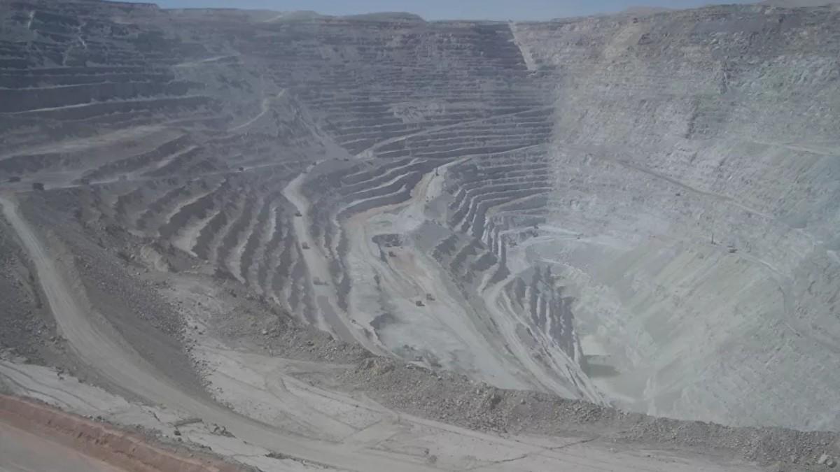 Mina de Chuquicamata detiene sus funciones por COVID-19